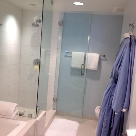 Tower23 Hotel : nice bath