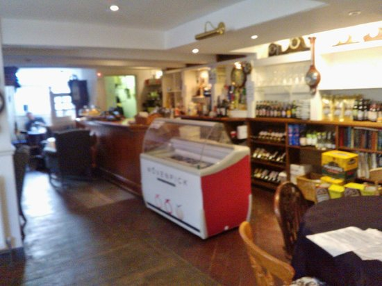 Chimes Cafe: Counter