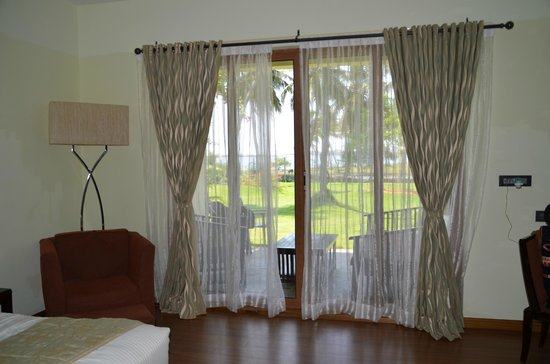 The Windflower Resort and Spa Pondicherry : Entry to the graden