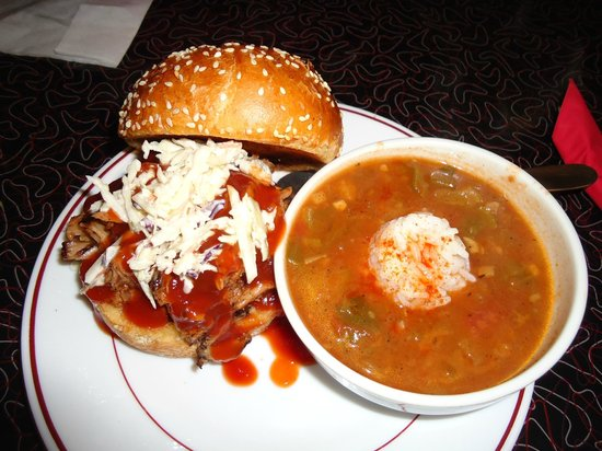 Blues Bar-B-Q : Pulled Porc Sandwich with Louisiana Gumbo