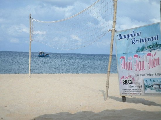 Thai Tan Tien Resort: Beach