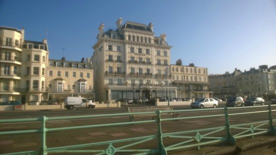 Mercure Brighton Seafront Hotel: View from the front