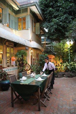 Cafe De Laos