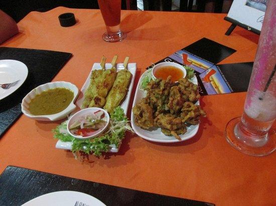 The Gallery Restaurant: Chicken Satay und No Name Vegetable