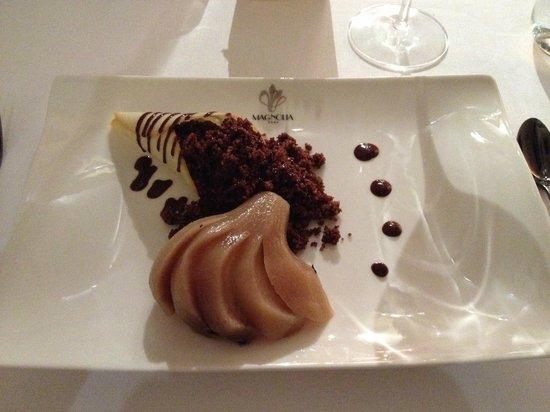 Magnolia : cous cous cioccolato e pera