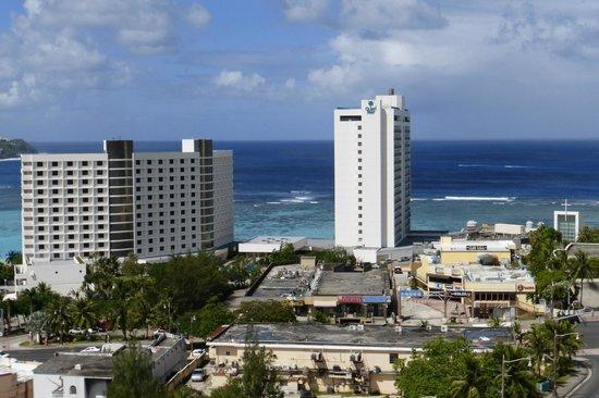 Bayview Hotel Guam : вид из номера на Филиппинское море