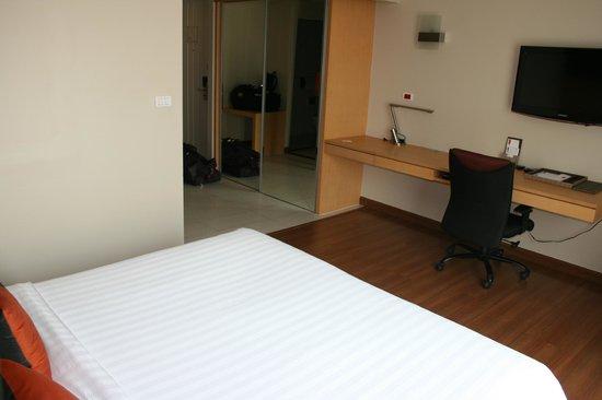 Hotel Solo Sukhumvit 2 : dl room
