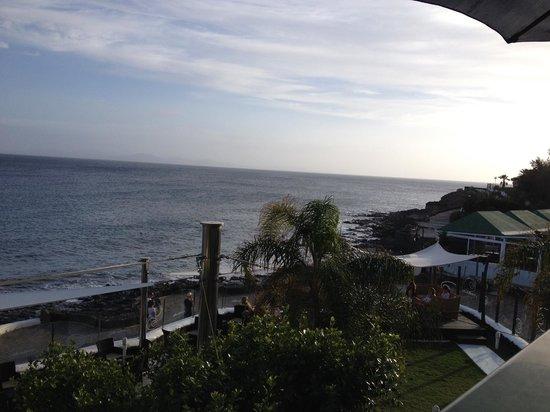 Luna Rossa : Uitzicht vanaf terras restaurant