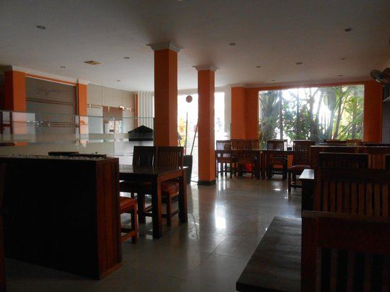 Skyway Hotel: Restaurant