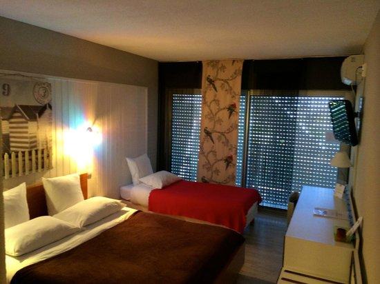 La terrasse de la chambre 111 photo de hotel saint clair for Chambre communicante hotel