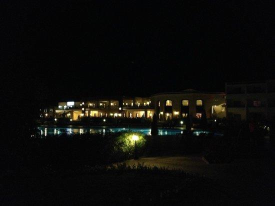 Brayka Bay Reef Resort: vista della nuova struttura dove v'era il ristorante