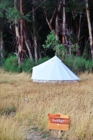 Cosy Tents: Bwthyn