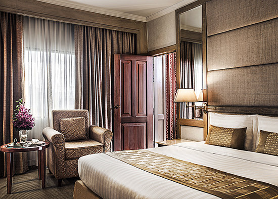 Arnoma Grand Bangkok: One and Two Bedroom Suites