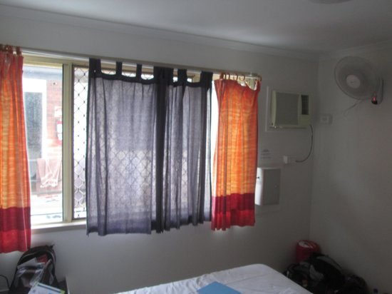 Globetrotters International: Great curtains to keep out the sun