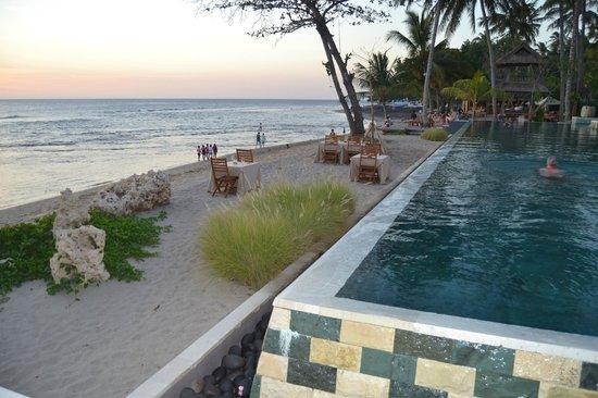 Qunci Villas Hotel : piscine / plage