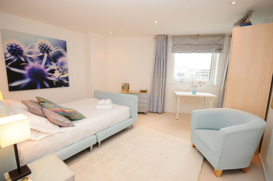 Town or Country Serviced Accommodation : Empress Heights
