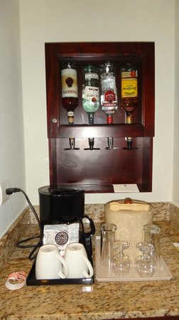 Hotel Riu Palace Las Americas: в номере бесплатный бар