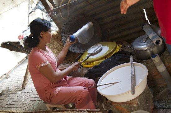Ho Chi Minh City Urban Adventures: Cu CHi Village Farm family making rice paper