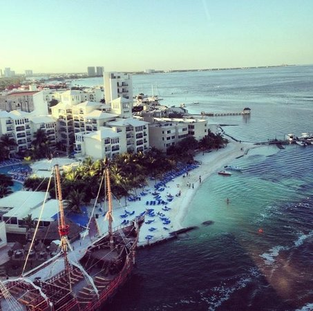 Occidental Costa Cancun : Barcelo's beach from the helicopter