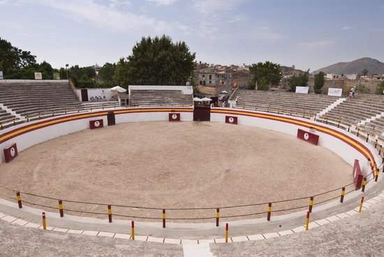 Alcudia Old Town : Plaza de Toros