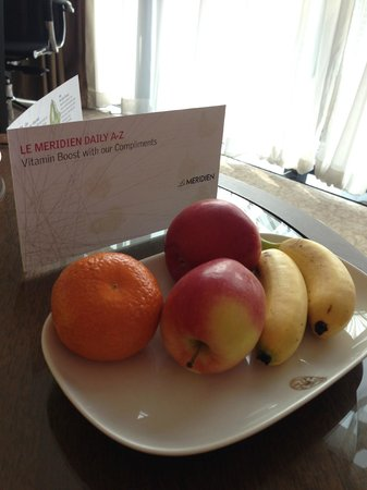 The Athenee Hotel, a Luxury Collection Hotel: fruits provided by hotel