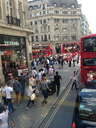 Oxford Street: Оксфорд Стрит час пик