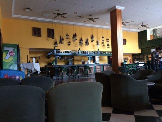 Diverhotel Lanzarote: Bar area