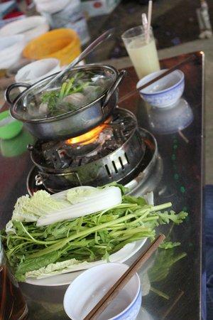 TTC Hotel Premium - Ngoc Lan: pork legs with Atiso