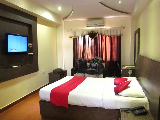 Hotel MB International: Our room