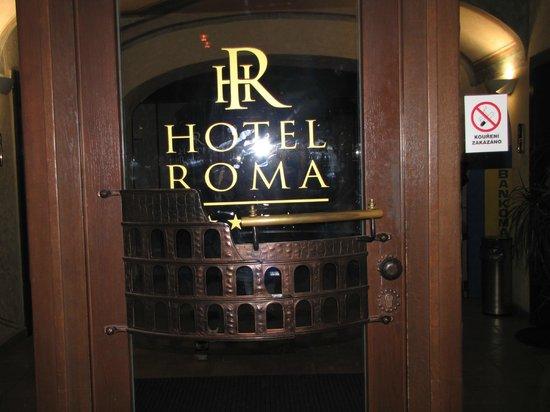Hotel Roma Prague : Ingresso secondario hotel