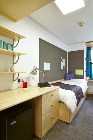 Sir John Cass Hall: Single standard room