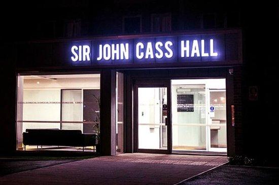 Sir John Cass Hall: Entrance night time