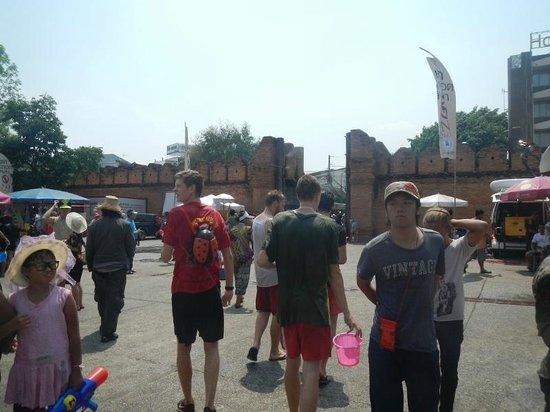 Tha Phae Gate: ソンクラーン時のターペー門