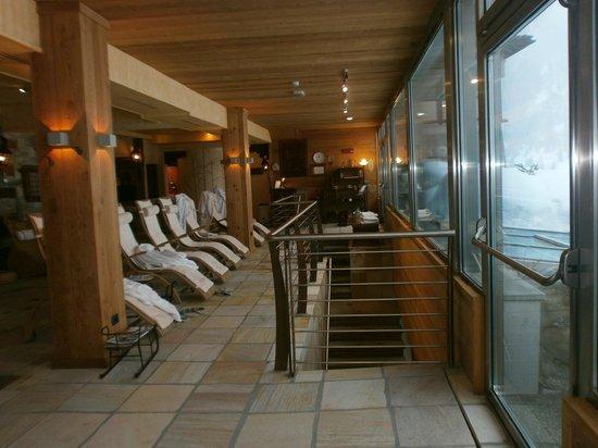 Bellevue Hotel & Spa : area relax con veduta sulle piste da fondo