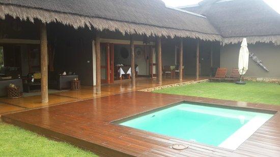 Botsebotse Luxury Retreat: Pool Area