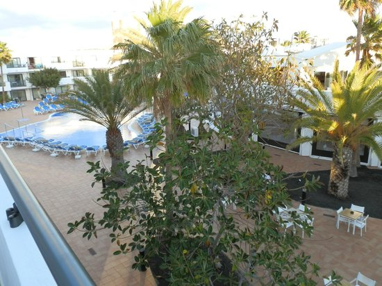Be Live Experience Lanzarote Beach: View from room in to pool court yard