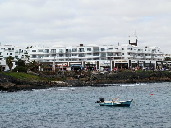 Be Live Experience Lanzarote Beach: View from bay of Hotel