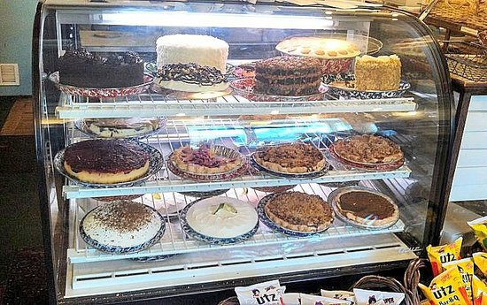 Foster's Market: cake and pies