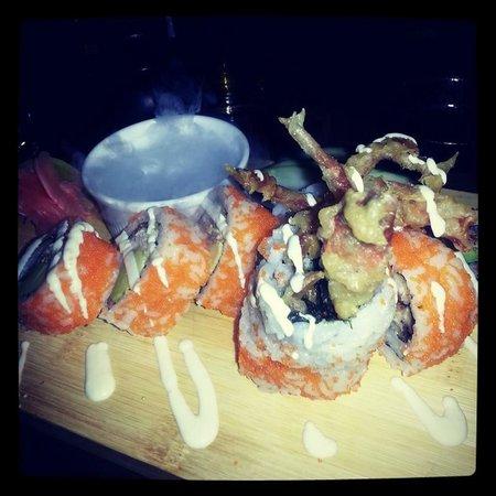 Banyi Japanese Dining: Spider Roll- Soft shell crab,avocado & wasabi mayo