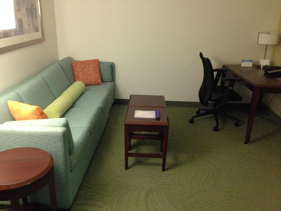 SpringHill Suites Florence: Desk & Couch