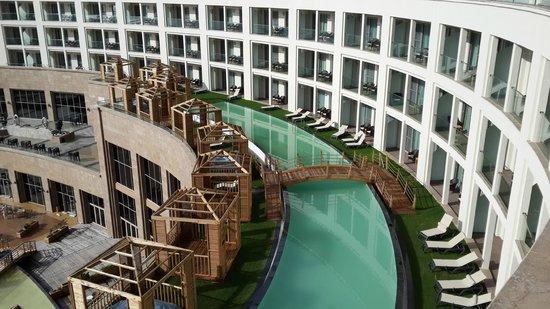 Kaya Palazzo Golf Resort: Kat 1 deki balkonu havuza açılan odalar