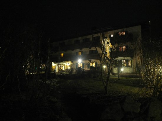 Hotel Edelweiss after dark