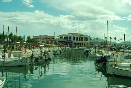 Hoposa Uyal Hotel: Marina - La Llonja in the background