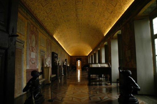 Castello e Parco di Masino : una delle sale interne