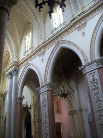 Matrice Church: colonne in marmo della Chiesa madre di Erice