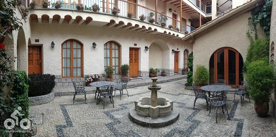 Hotel Rosario La Paz : Hall interno (apartamentos primeiro andar fundos)