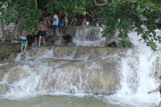 Ocho Rios Beach : Tourist trail up the Dunn's River