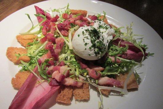 Quod Restaurant & Bar : Endive, poached egg, pancetta & croutons
