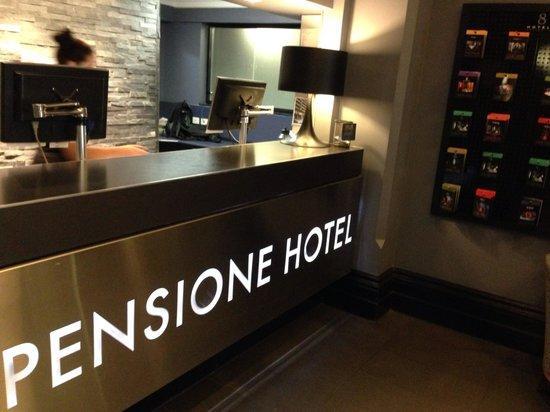 Pensione Hotel Melbourne - by 8Hotels: Front desk