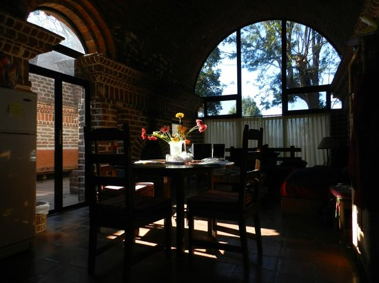 Hotel San Buenaventura de Atitlan: Early morning light in top floor.